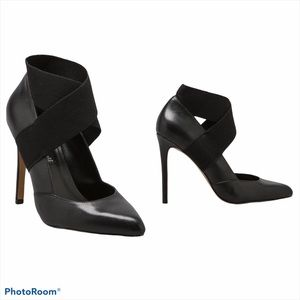 STEVEN BY STEVE MADDEN   Black Leather Heels